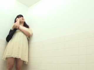 Perfect asians urinating